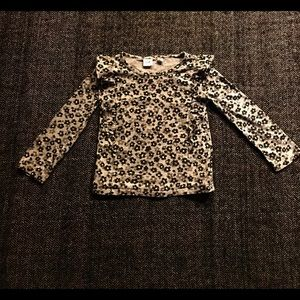 Gap leopard print long sleeved T-shirt size 4-5.